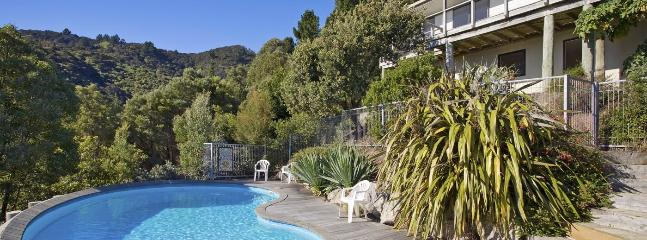 Mount Arthur View Holiday Home Nelson - Sea View & Swimming Pool
