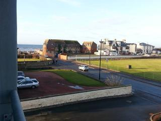 Holiday flat with golf & ocean view, Prestwick