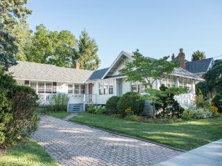 parks,shopping, dining,golf, theatre at door step!, Niagara-on-the-Lake