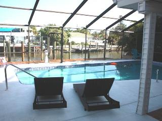 GIGA-HOMES  Casa 'ALBATROSS' Waterfront / New, FMB, Cape Coral