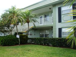 BEAUTIFUL MODERN CONDO , CLEARWATER, FLORIDA, Clearwater