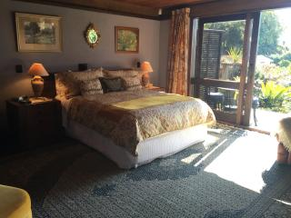 Hibiscus suite at Matua Lodge Luxury B&B Tauranga