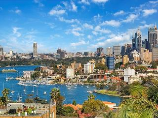AND01 Amazing views in the heart of Neutral Bay