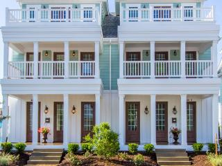 22 Neptune Townhome, Virginia Beach