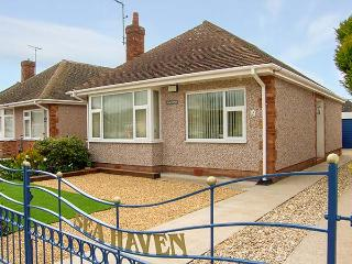 SEA HAVEN, single storey, close to beach and amenities, conservatory, garden, in Prestatyn Ref 15127