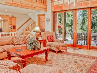 4 Bedrooms | Pet Friendly | Sleeps 7 | Wifi, Truckee