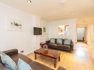 Stunning apartment in the heart of the City Centre, Edinburgh