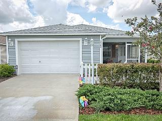 Great location and stylish patio villa with complimentary gas golf cart, The Villages