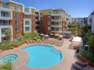 2bd/2ba in Resort-Style Apartments, Anaheim