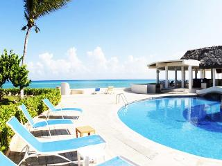 Fantastic Beachfront Retreat -  fits 8 guests, Playa del Carmen