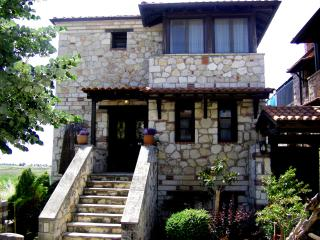 stone house for summer and winter, Psakoudia