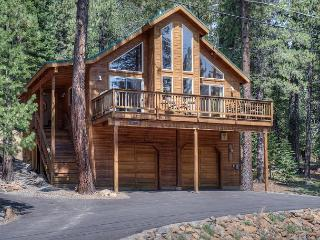 3BR Pine Forest House, Tahoe Donner- Access the Trout Creek Center Amenities!, Truckee