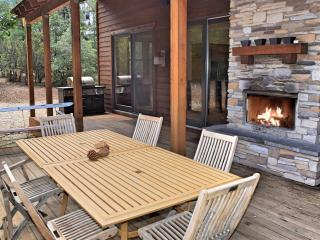 Grand Mountain Retreat - Luxury! High End! ! Spa!, Big Bear Lake