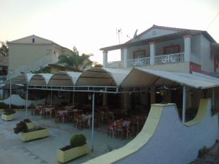 Apartment in villa near the beach for 4 to 5person, Agios Gordios
