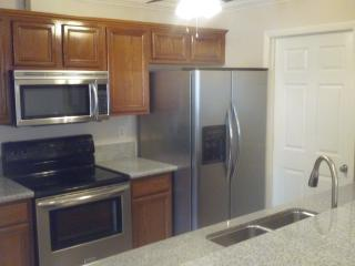 Beautiful 3/2/1 Apartment Central to everything, Cape Coral