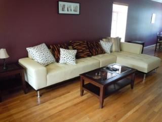 Large Two Bedroom Central in Beverly Hills