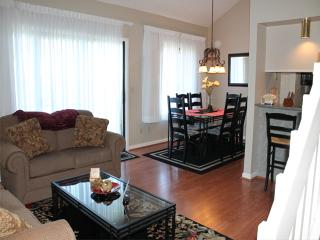 3 Bedroom 3 Bath 2 Living Room Private Deck Units - 408, Indian Point