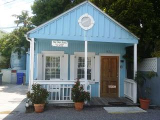 One BDRM Cottage at Old Town Suites by Hospitium, Key West