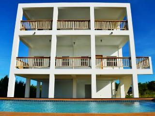 Sea The View - Ocean Front with Private Pool, San Pedro