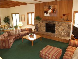 Newly Remodeled Kitchen - Perfect for 2 Familes or 5 couples (1403), Snowmass Village