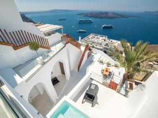 DayDream - Grand Family Suite With Private Jacuzzi, Fira