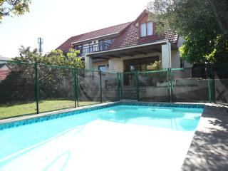 'Clivia Cottage' - Spacious garden flat, Hout Bay