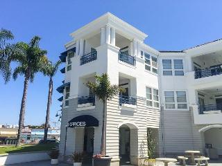 FURNISHED 3 BEDROOM AVAILABLE MONTHLY, Newport Beach