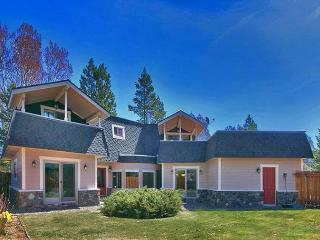 Tahoe Keys - Private - Pool Table - Close to Lake, Pools, Tennis and Town, South Lake Tahoe