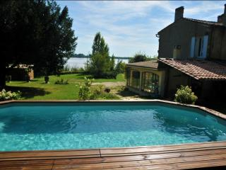 House for 6, 800sqm garden with pool, Bayon-sur-Gironde