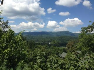 5 BD/4 BA NEW!!!  'Above the Clouds', Pigeon Forge
