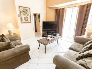 8 Br / 5 Ba, Vacation Rental, 2 Miles To Disney, Kissimmee