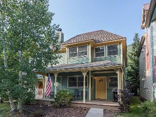 Bachman Village 25 - 3 Bd / 3 Ba - Sleeps 8 - Downtown Telluride Vacation Home located 1 block from base of Lift 7