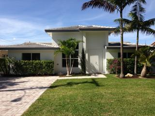 LUXURY WATERFRONT HOUSE, Pompano Beach