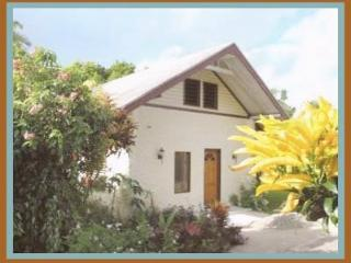 Large, Private Bungalow with Pool, Pacific Harbour