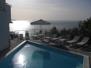 Villa just few steps from the sea with pool, Massa Lubrense