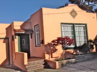 Ideal Location. Family friendly. Walk to Aquarium, Pacific Grove