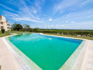 Newly furnished apartment with spectacular views, Olhos de Agua