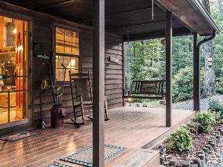 Heavenly Peace - Find it here the Blue Ridge mountains with this classic, secluded vacation cabin
