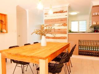 Three by the Sea - 2 Bedroom Apartment, Byron Bay