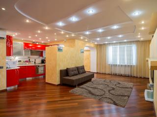 Holiday Penthouse in Kiev with Dnipro river view, Kiew