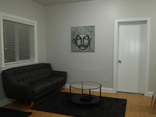 Beautiful and private 3 Bedroom Suite, Richmond