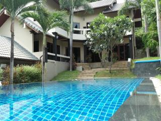 Miss Brown 4 Bedroom Pool Villa near Chaweng Beach
