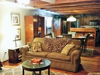 Kemah Cottage Is Very Charming- No Pet Charge, Bacliff