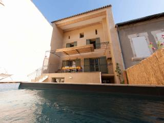 Spacious quiet renewed town home + private pool, Saint-Remy-de-Provence