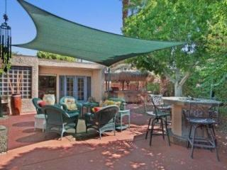 PARADISE FOUND! Spoil Yourself!  Outdoor Kitchen / Firepit / HotTub / Tennis Cts. in Rancho Mirage