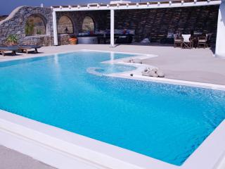 Villa Tanya - 3 Bedrooms with Swimming Pool, Mykonos Town
