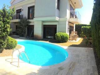 FULLY DETACHED VİLLA 4 BEDROOM WİTH SWİMMİNG POOL, Marmaris
