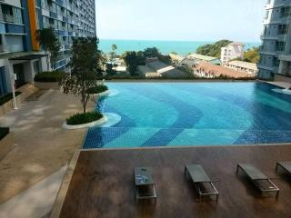 Pattaya-Jomtain beach apt 4 rent