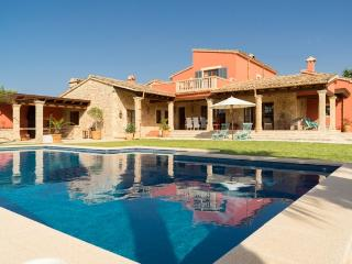 Elegant country house with pool and great views, Pollenca