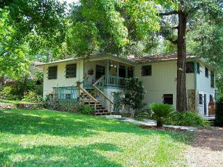 Rainbow River Cabin - Serene Waterfront Property, Dunnellon